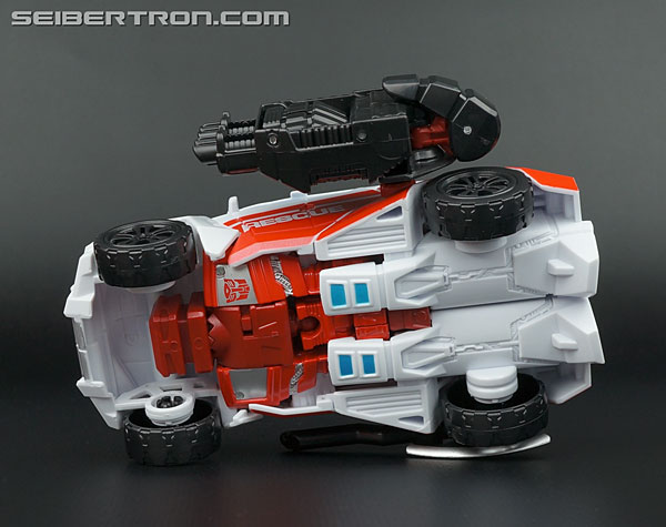 Transformers Generations Combiner Wars First Aid (Image #35 of 137)