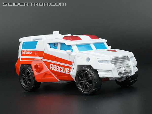 Transformers Generations Combiner Wars First Aid (Image #37 of 137)