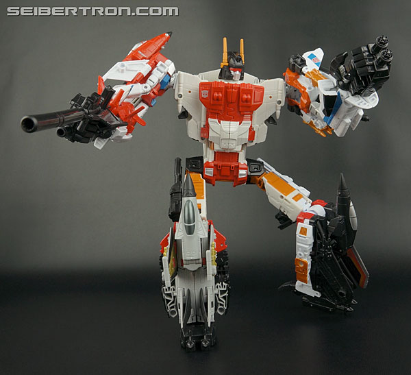 Transformers News: New Gallery: Generations Combiner Wars Superion