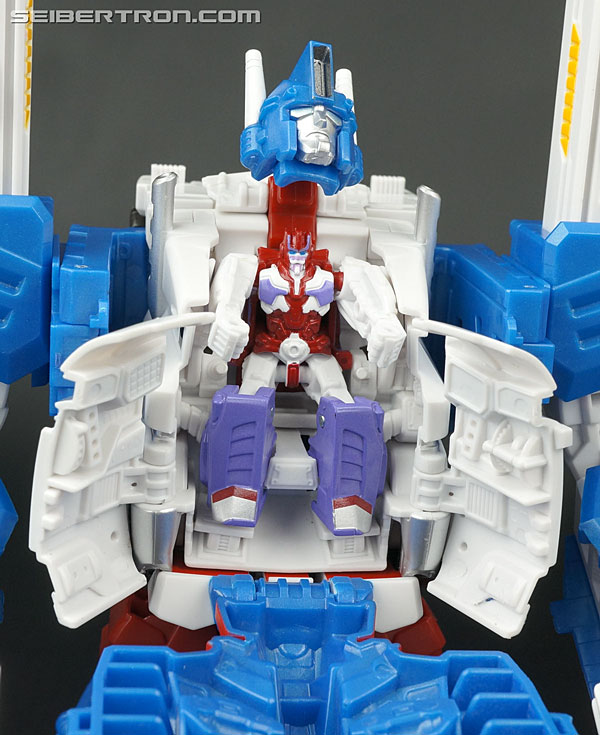 Transformers News: New Galleries: Transformers Legends LG-14 Ultra Magnus and Alpha Trion