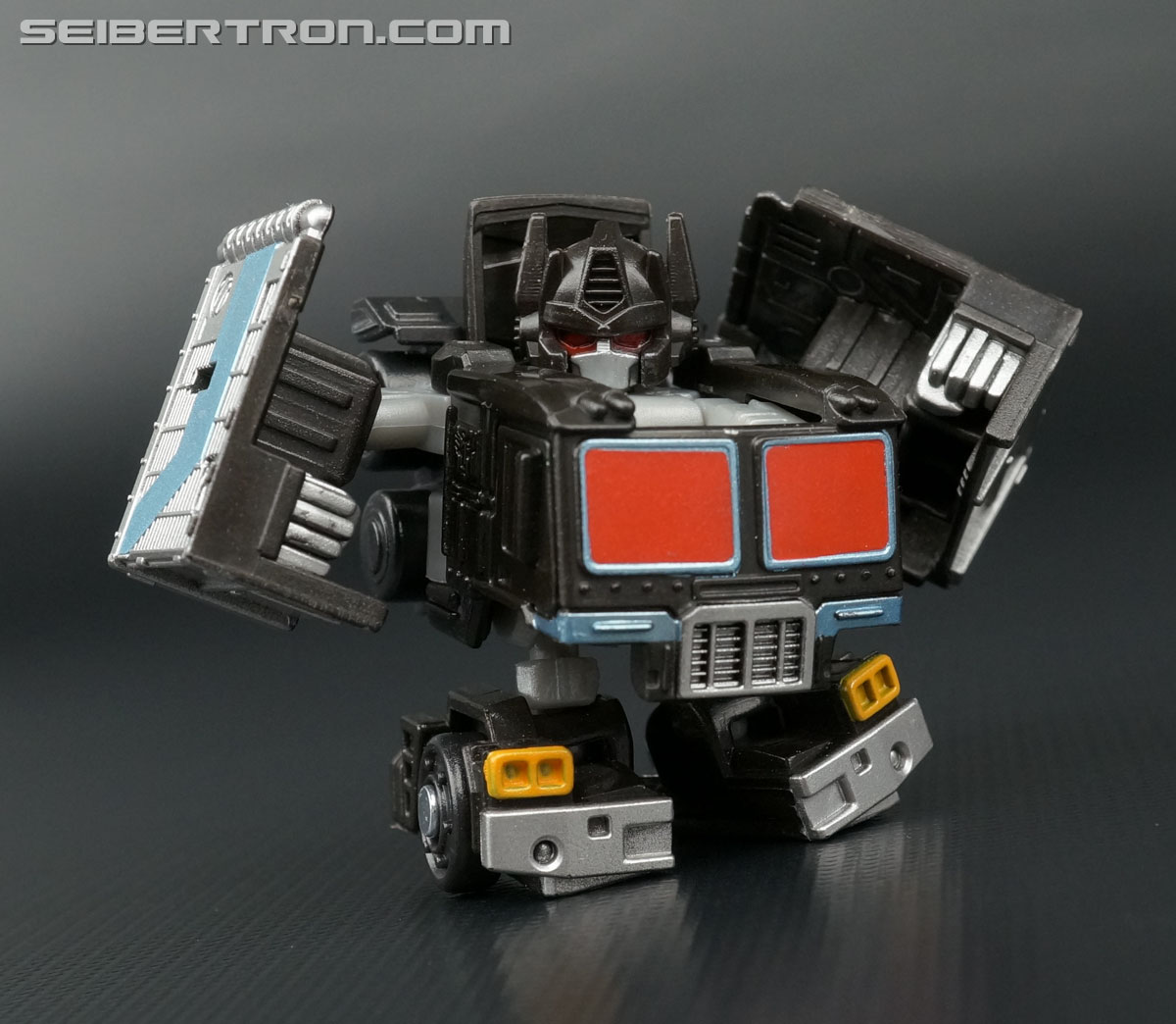 Q-Transformers Black Convoy (Black Optimus Prime) (Image #60 of 78)