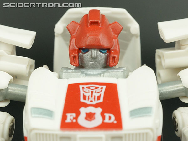 Q-Transformers Red Alert gallery