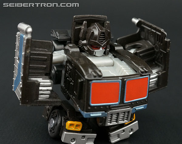 Q-Transformers Black Convoy (Black Optimus Prime) (Image #36 of 78)
