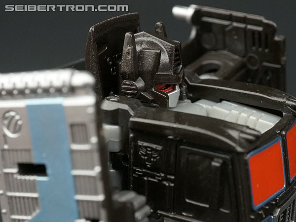 Q-Transformers Black Convoy (Black Optimus Prime) (Image #39 of 78)