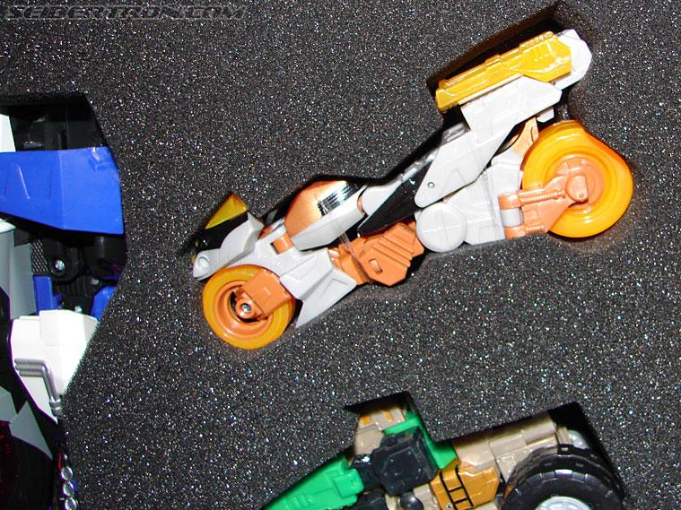 Transformers BotCon Exclusives Optimus Primal (Image #27 of 178)