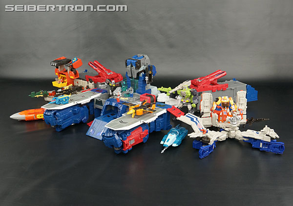Transformers News: New Galleries: Titans Return Fortress Maximus with Cerebros and Emissary
