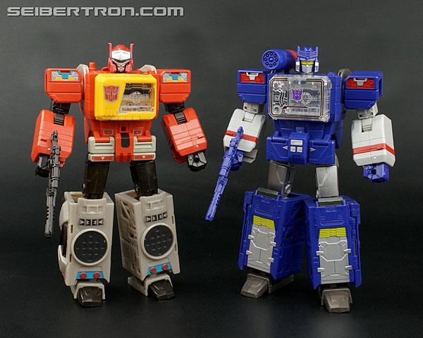 Transformers News: New Galleries: Titans Return Leader Soundwave with Soundblaster