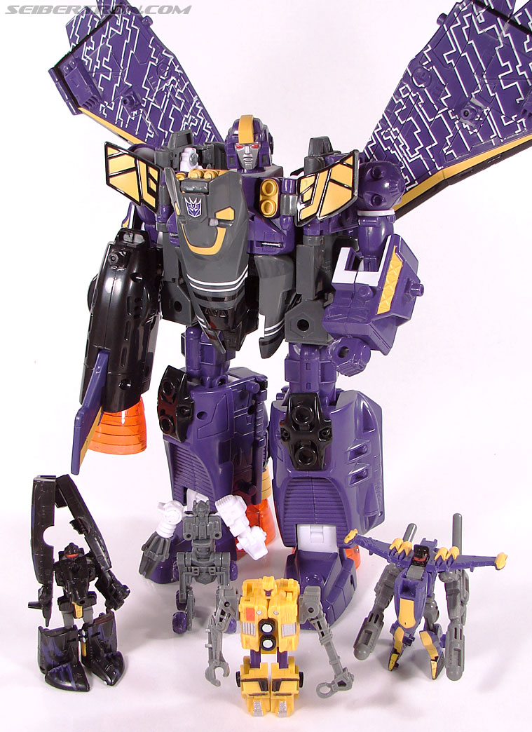 Transformers Club Exclusives Astrotrain (Image #175 of 176)