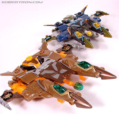 Transformers Club Exclusives Airazor (Chromia 10 Pilot) (Image #42 of 132)