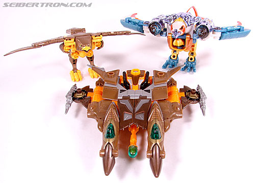 Transformers Club Exclusives Airazor (Chromia 10 Pilot) (Image #48 of 132)