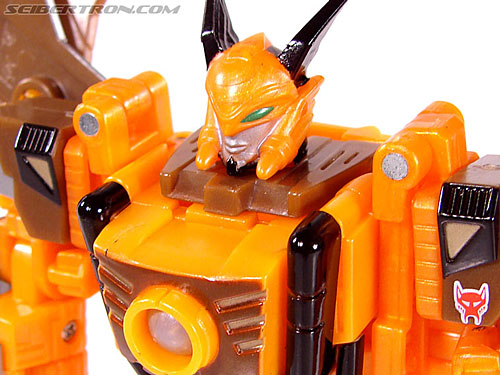 Transformers Club Exclusives Airazor (Chromia 10 Pilot) (Image #82 of 132)