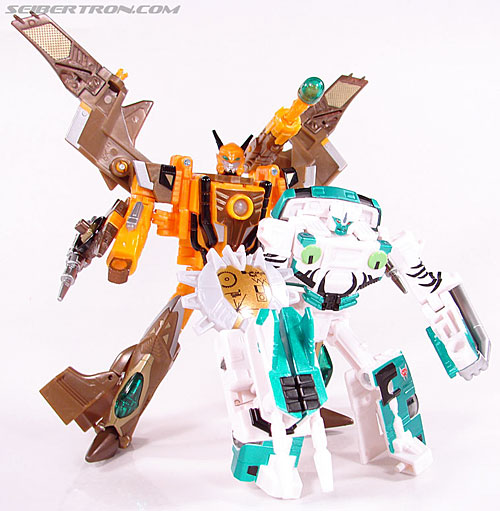 Transformers Club Exclusives Airazor (Chromia 10 Pilot) (Image #105 of 132)