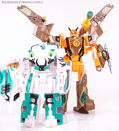 Transformers Club Exclusives Airazor (Chromia 10 Pilot) (Image #108 of 132)