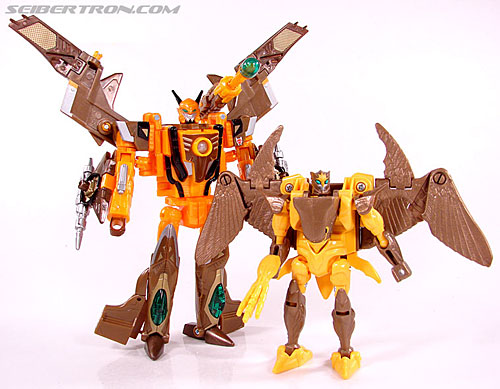 Transformers Club Exclusives Airazor (Chromia 10 Pilot) (Image #110 of 132)