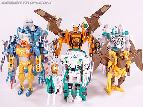 Transformers Club Exclusives Airazor (Chromia 10 Pilot) (Image #115 of 132)