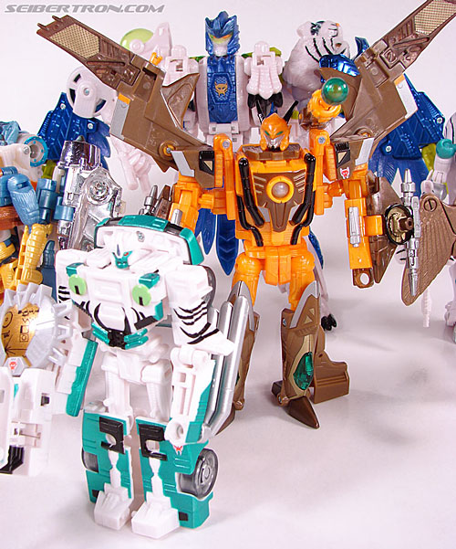 Transformers Club Exclusives Airazor (Chromia 10 Pilot) (Image #118 of 132)
