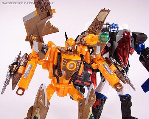 Transformers Club Exclusives Airazor (Chromia 10 Pilot) (Image #128 of 132)