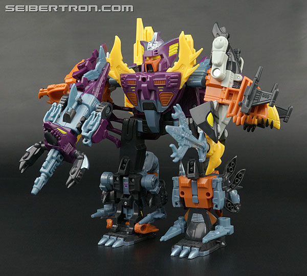 Transformers News: New Galleries: Club Exclusive Piranacon Set with Seacons