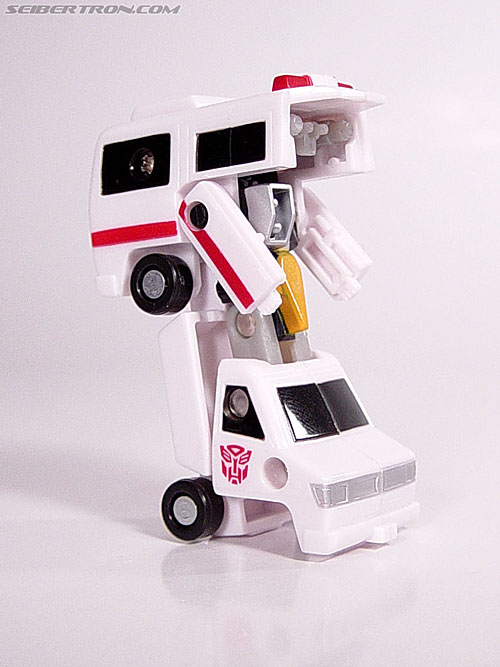 Transformers Universe First Aid (Image #16 of 24)