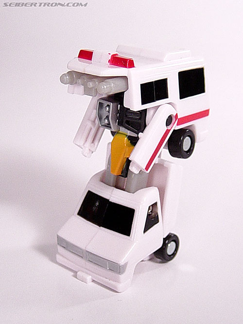 Transformers Universe First Aid (Image #20 of 24)