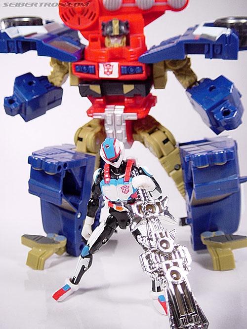 Transformers Energon Ironhide (Roadbuster) (Image #33 of 52)