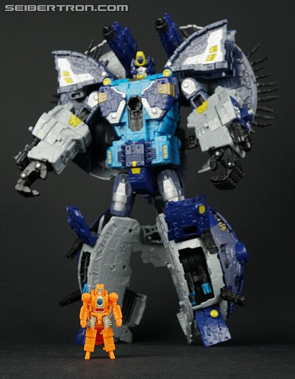 Transformers News: New Gallery: War for Cybertron Battle Master Rung