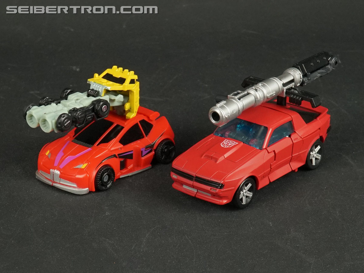 Transformers War for Cybertron: Earthrise Cliffjumper (Image #54 of 141)