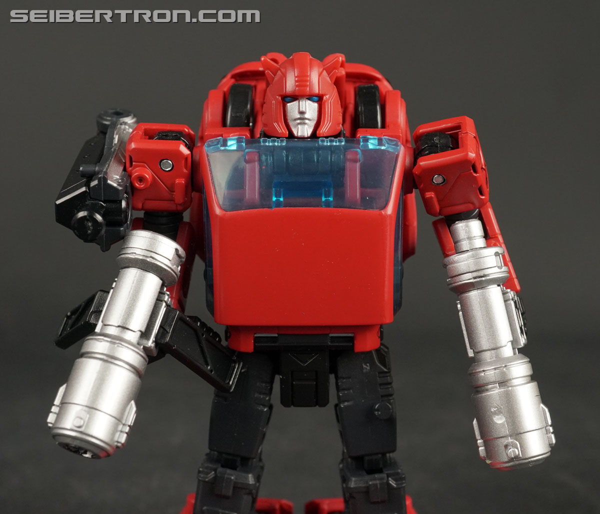 Transformers War for Cybertron: Earthrise Cliffjumper (Image #61 of 141)