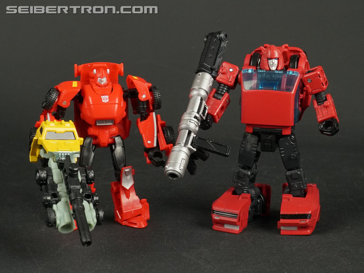 Transformers War for Cybertron: Earthrise Cliffjumper (Image #132 of 141)