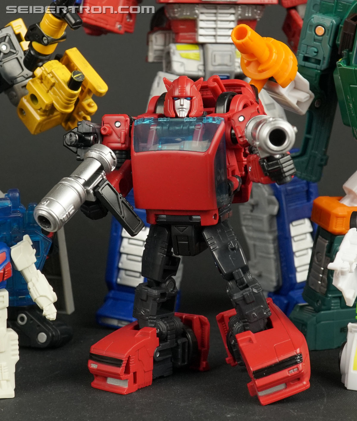 Transformers War for Cybertron: Earthrise Cliffjumper (Image #137 of 141)