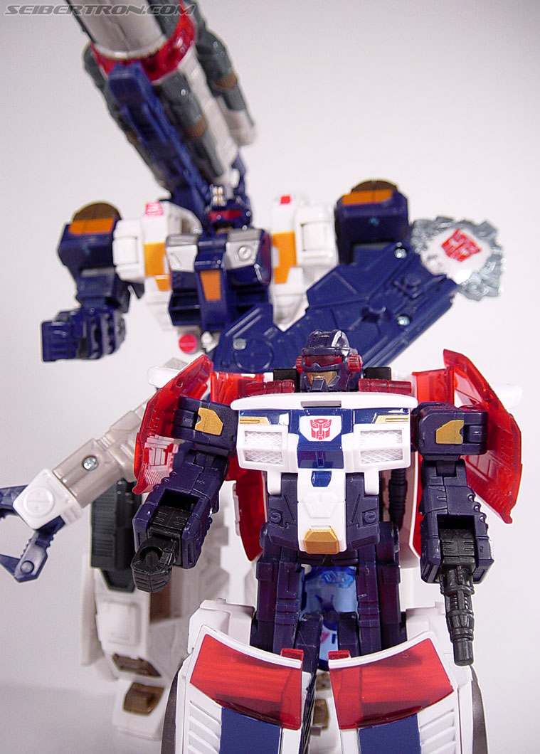 Transformers Cybertron Cybertron Defense Red Alert (First Gunner) (Image #109 of 118)