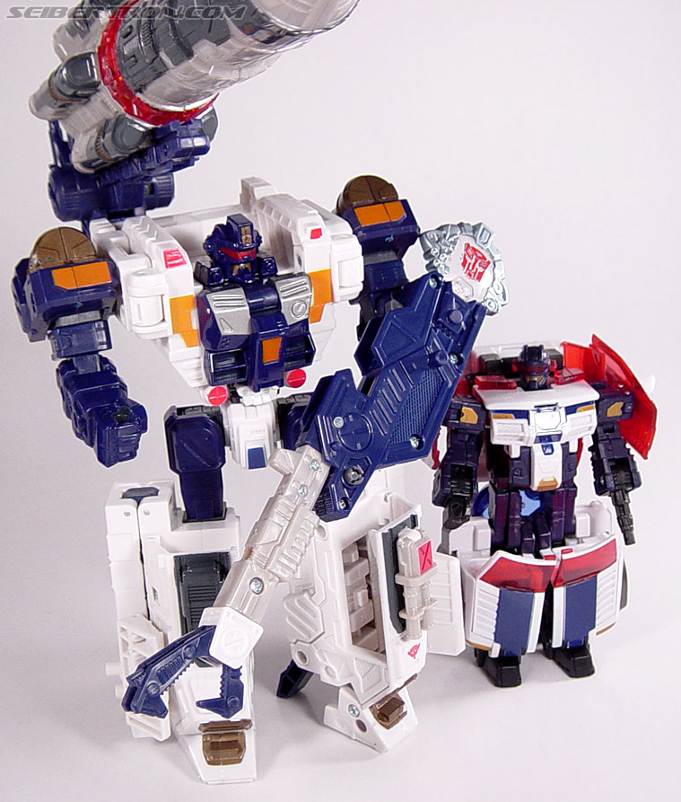 Transformers Cybertron Cybertron Defense Red Alert (First Gunner) (Image #112 of 118)