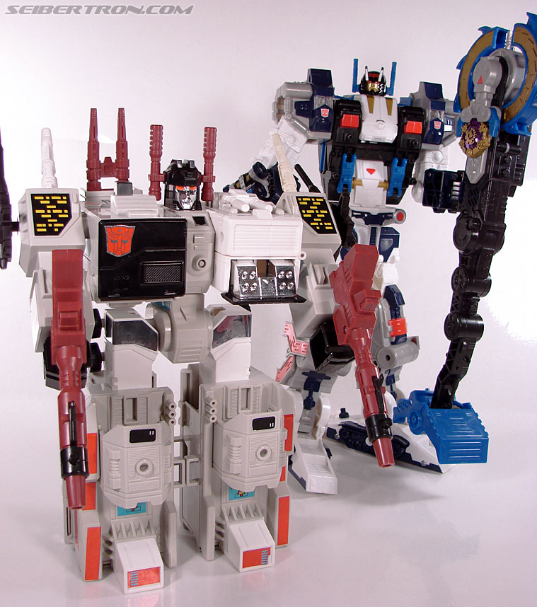 Transformers Cybertron Metroplex (Megalo Convoy) (Image #167 of 192)