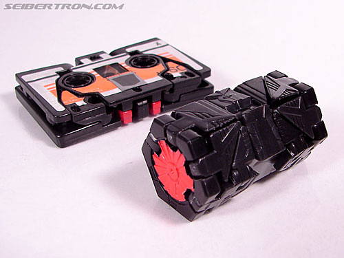 Transformers Cybertron Laserbeak (Killer Condor) (Image #20 of 68)
