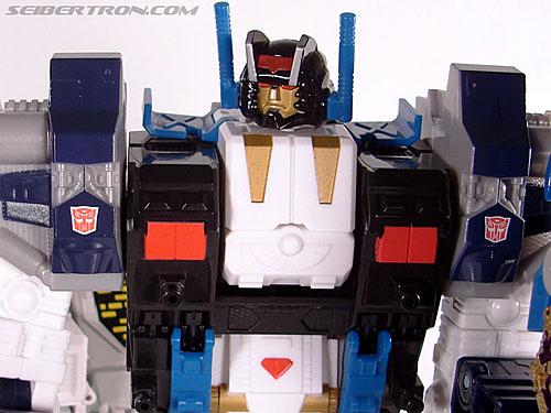 Transformers Cybertron Metroplex (Megalo Convoy) (Image #172 of 192)