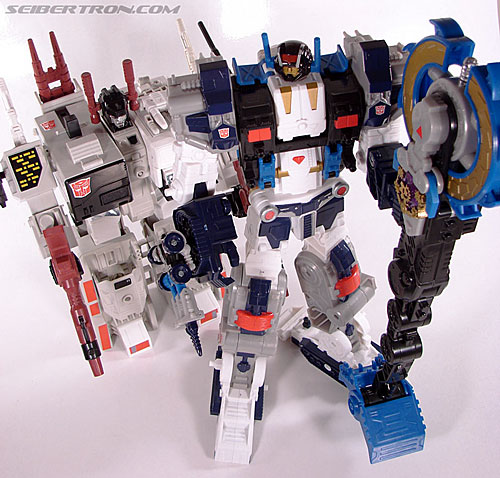 Transformers Cybertron Metroplex (Megalo Convoy) (Image #173 of 192)