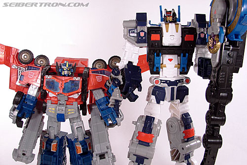 Transformers Cybertron Metroplex (Megalo Convoy) (Image #174 of 192)