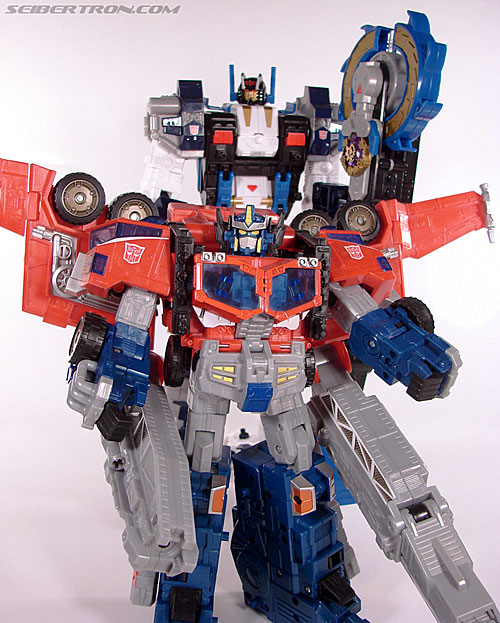 Transformers Cybertron Metroplex (Megalo Convoy) (Image #175 of 192)