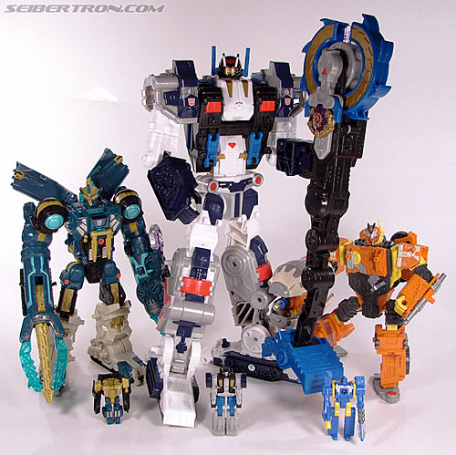 Transformers Cybertron Metroplex (Megalo Convoy) (Image #178 of 192)