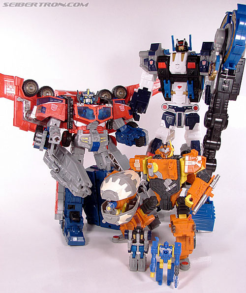 Transformers Cybertron Metroplex (Megalo Convoy) (Image #180 of 192)