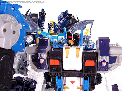Transformers Cybertron Metroplex (Megalo Convoy) (Image #188 of 192)