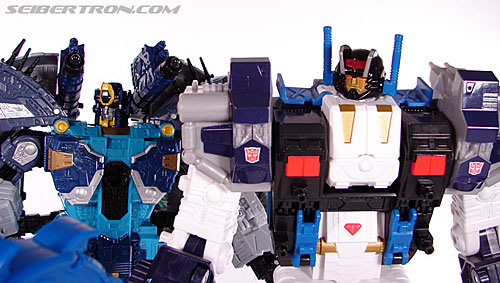 Transformers Cybertron Metroplex (Megalo Convoy) (Image #190 of 192)
