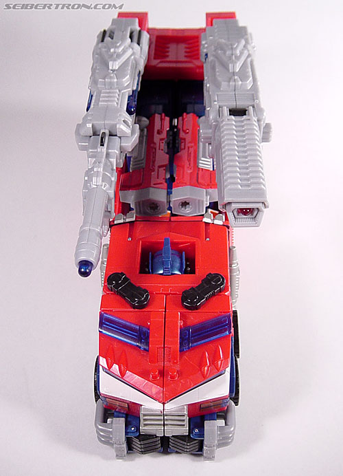 Transformers News: Top 5 Worst Cases of Visible Head Syndrome Among Transformers Toys