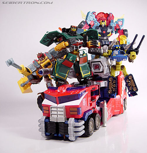 Transformers News: Possible First Image of War for Cybertron: Siege Leader Class Optimus Prime / Galaxy Convoy