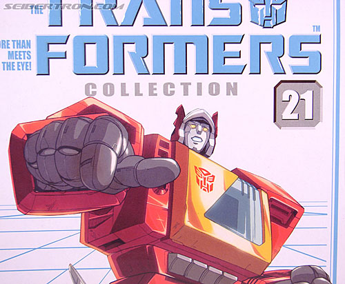 Transformers Collection Blaster (Broadcast)  (Reissue) (Image #3 of 137)