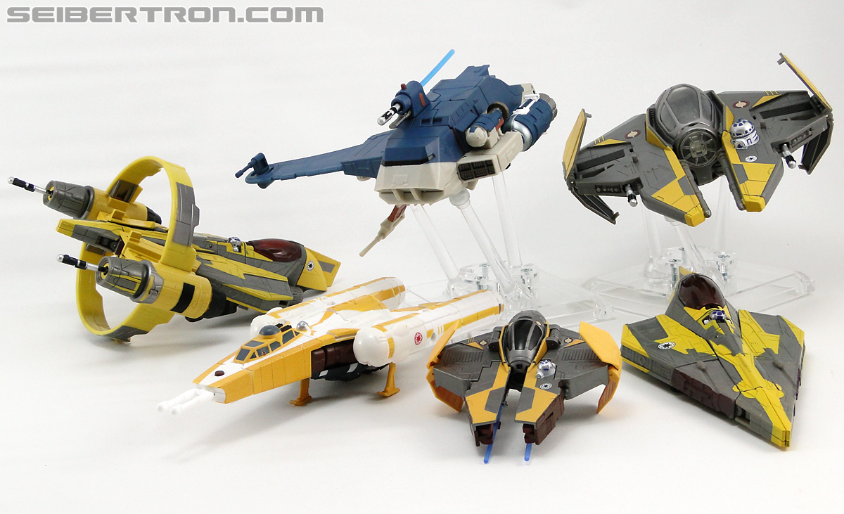 Star Wars Transformers Anakin Skywalker (Jedi Starfighter with Hyperspace Docking Ring) (Image #35 of 131)