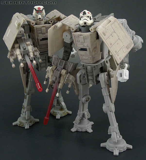 Star Wars Transformers AT-AT Driver (AT-AT) (Image #137 of 161)