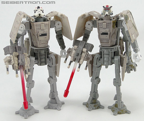 Star Wars Transformers AT-AT Driver (AT-AT) (Image #151 of 161)
