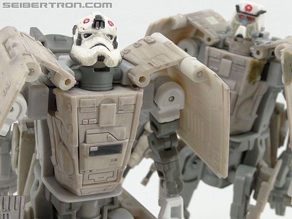 Star Wars Transformers AT-AT Driver (AT-AT) (Image #153 of 161)