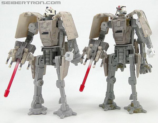 Star Wars Transformers AT-AT Driver (AT-AT) (Image #158 of 161)